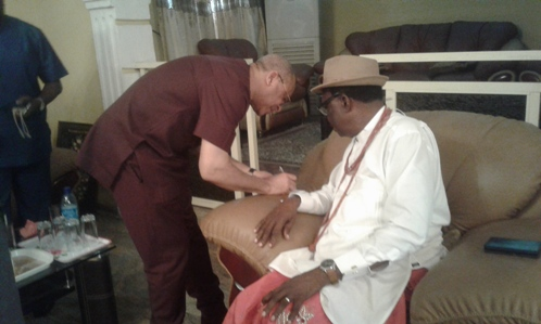 Prof Pat Utomi exchanges pleasantry with Chairman Board Of Trustee of Urhobo Social Club, Chief Johnson Barovbe