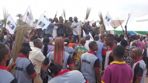 APC recieving Cairo Ojougboh andother PDP defectors in Agbor, Delta State
