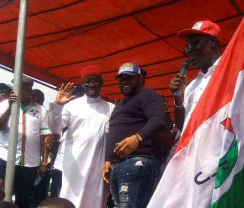 Edevbie Loyalist, Martin  Ovweghre Leads 500 APC Defectors To PDP In Ughelli (PHOTOS)