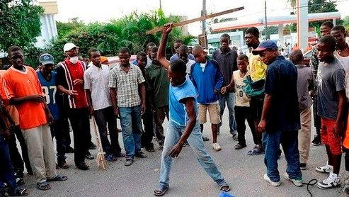 Angry Mob Beats Suspected Robbers To Death In Abraka