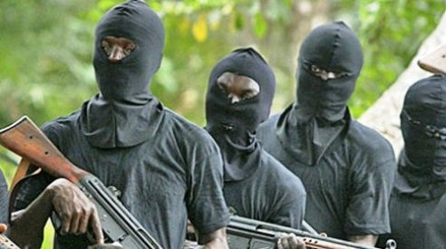 Panic In Sapele As Gunmen Kill Policeman, Soldier