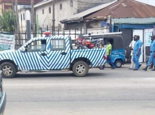 Panic As Gunmen Kill DESTMA Traffic Official In Ughelli Market