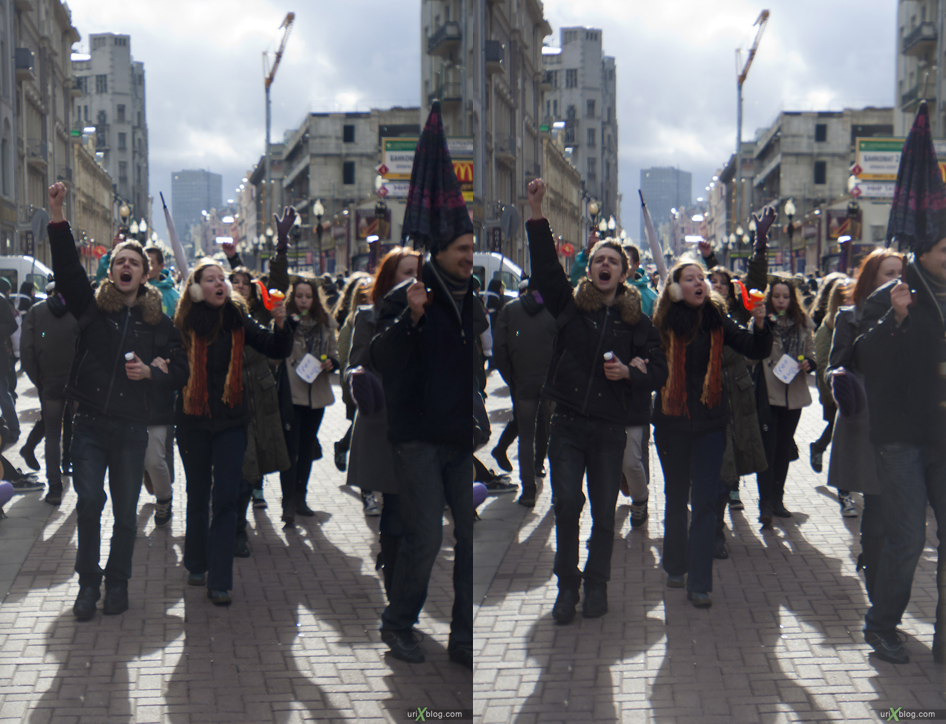 2011 Moscow, Dreamflash, Old Arbat st., Москва, Дримфлеш, Старый Арбат, Shot with Canon 5D mark 2, 3D, stereo, cross-eyed, стерео, стереопара, Loreo 3D lens in a cap