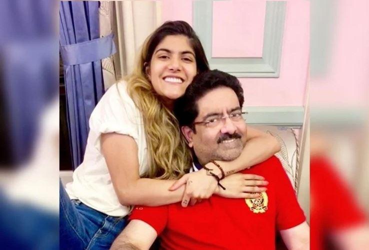कुमार मंगलम बिरला की बेटी को रेस्त्रां ने परिवार संग बाहर निकाला,जानिए क्या है मामला