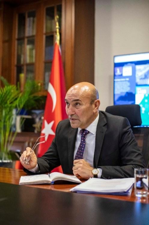 İzmirliler Tedbiri Elden Bırakmadı
