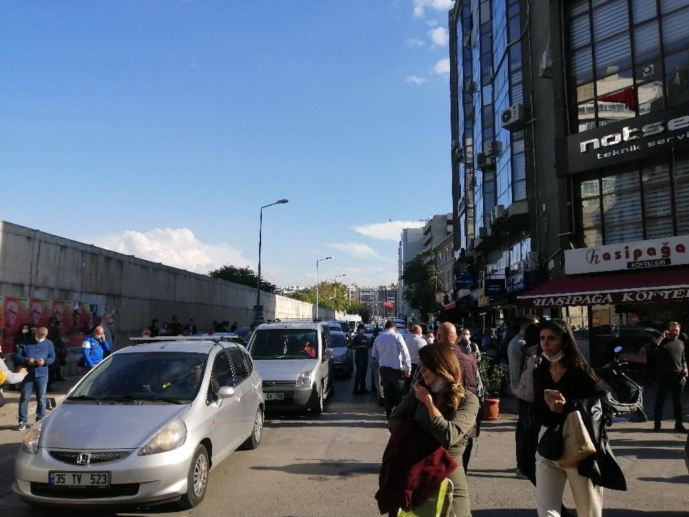 İzmirde 6.6 Büyüklüğünde Deprem