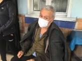Alevlerin İçinden Yaşlı Adamı Çekip Kurtardı