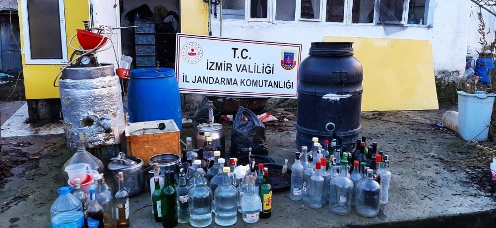 İzmirde 365 Litre Sahte İçki Ele Geçirildi