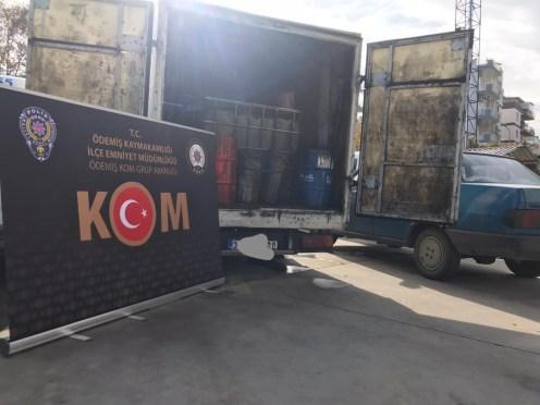 İzmirde Kaçak Akaryakıt Düzeneği Polisin Dikkati Sayesinde Bulundu
