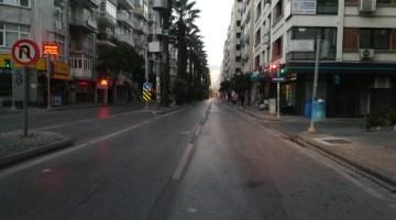 İzmirde Kısıtlamasının İlk Gününde Kenti Sessizlik Sardı
