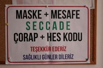 İzmirdeki Camide Hes Kodlu İbadet