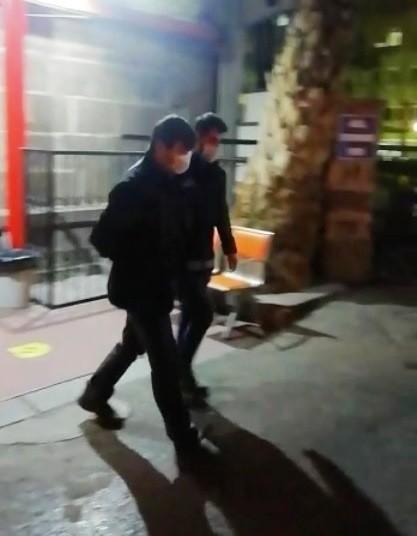 İzmirde Fetönün Hücre Evlerine Baskın: 31 Gözaltı