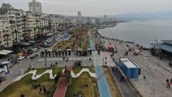 İzmirde 'Kırmızı Alarm Uyarısına Rağmen Ürküten Yoğunluk