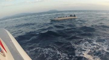 Yunanistan unsurlarınca Türk karasularına itilen 21 düzensiz göçmen kurtarıldı