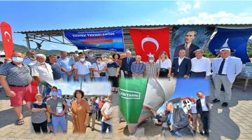 İzmir Büyükşehir Belediyesi'nden balıkçılara boya ve macun desteği