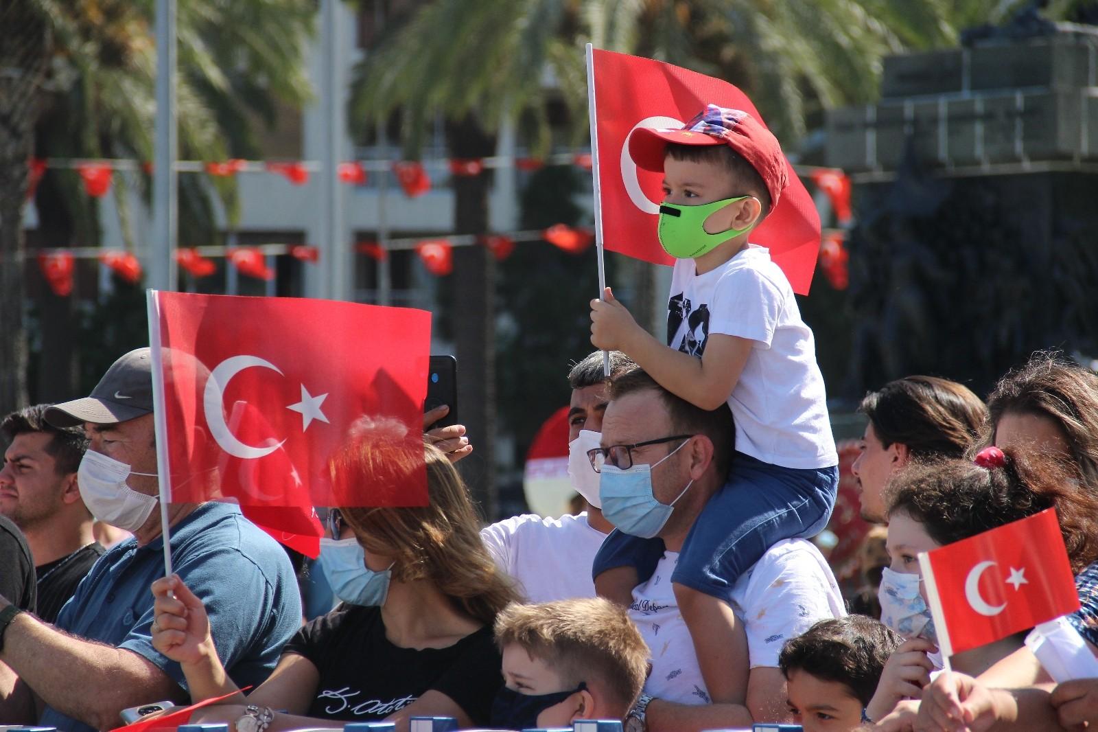 İzmir'de 30 Ağustos Zafer Bayramı coşkusu