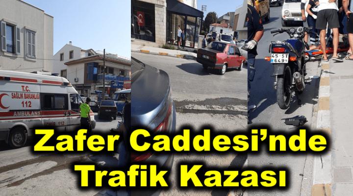 Urla'da Zafer Caddesi'nde trafik kazası; iki araç birbirine girdi