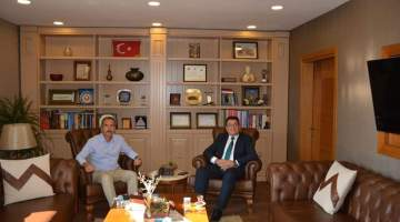 İYTE Rektörü Baran Urla Kaymakamı Dayanç'ı ziyaret etti