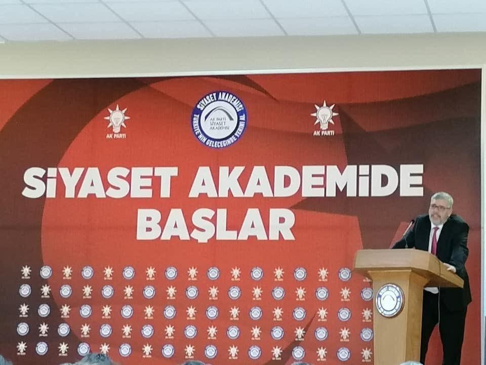 Ak Parti Siyaset Akademisi Aydında Başladı