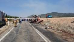 Tirede Orman Yangınına Giden Ekip Aracı Kaza Yaptı: 2 Ölü