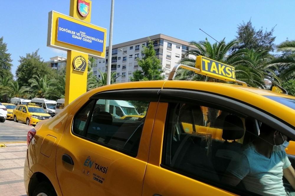 İzmir'de korsan taksiye geçit yok