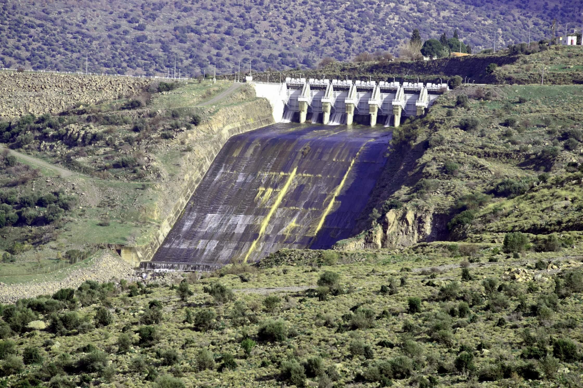 Güzelhisar Barajında Su Seviyesi Yarıya İndi