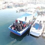Urla'da Yurt Dışına Geçmeye Çalışan Tekneye Baskın: Çok Sayıda Kişi Yakalandı