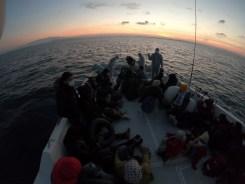 İzmirde 44 Düzensiz Göçmen Kurtarıldı