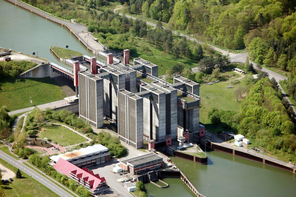 Ein Fahrstuhl für Schiffe: Das Schiffshebewerk Scharnebeck ist ein beliebtes Ausflugsziel.