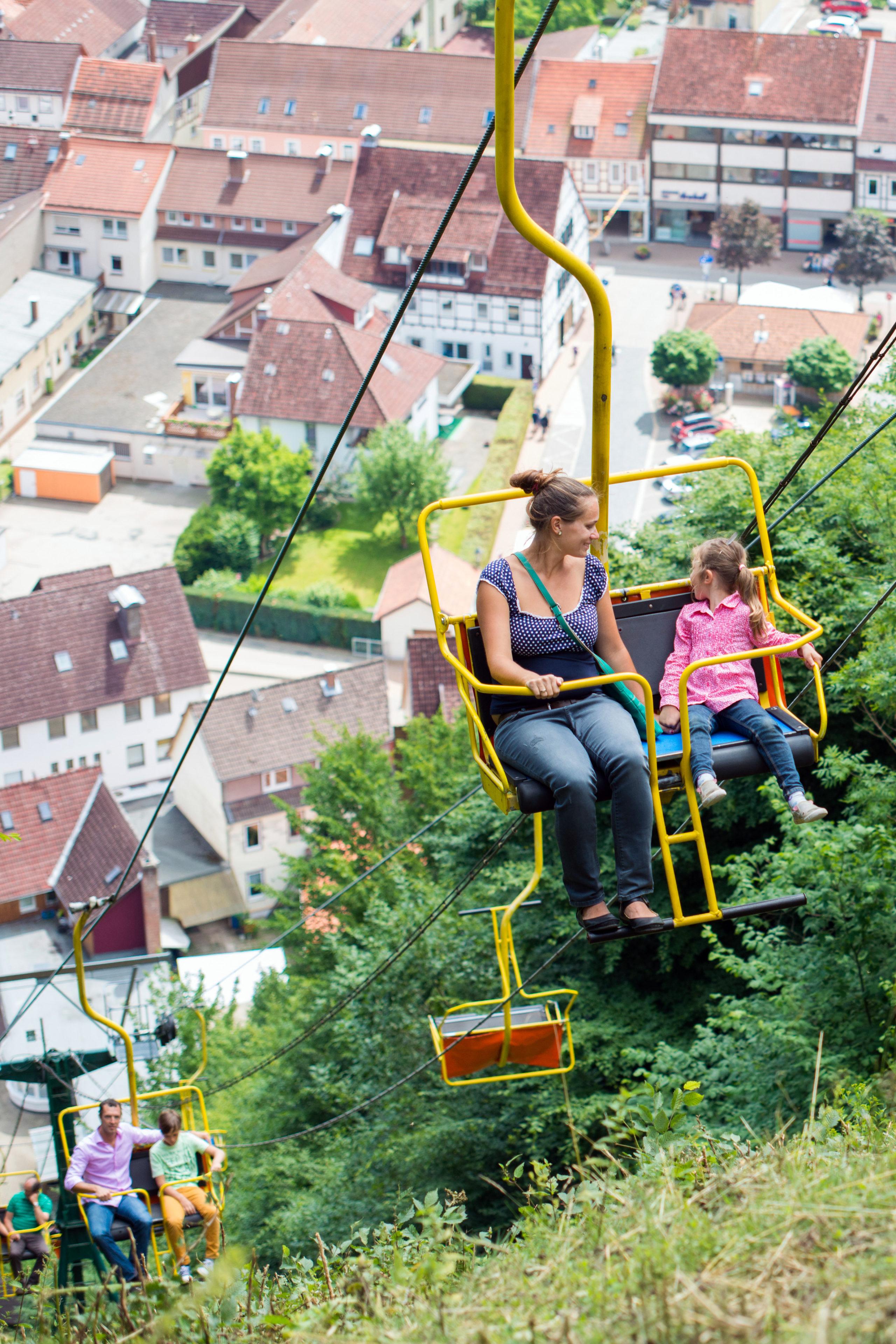 Zum Bad Lauterberger Hausberg können die Besucher in der Seilbahn emporschweben.