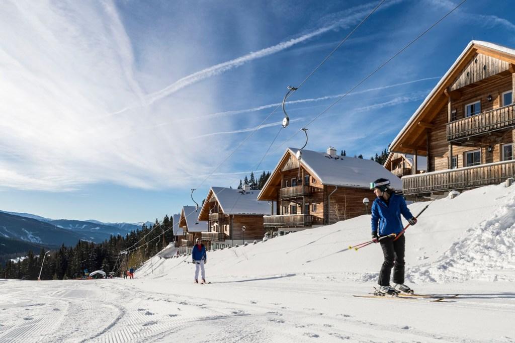 Ferienparks sind für Wintersportler ideal, denen ein schneller und stressfreier Zugang zu den attraktiven Skigebieten wichtig ist.