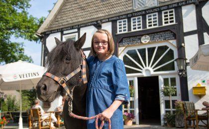 Ponyreiten und Kutsche fahren können Kinder im Schmallenberger Sauerland allerorten.