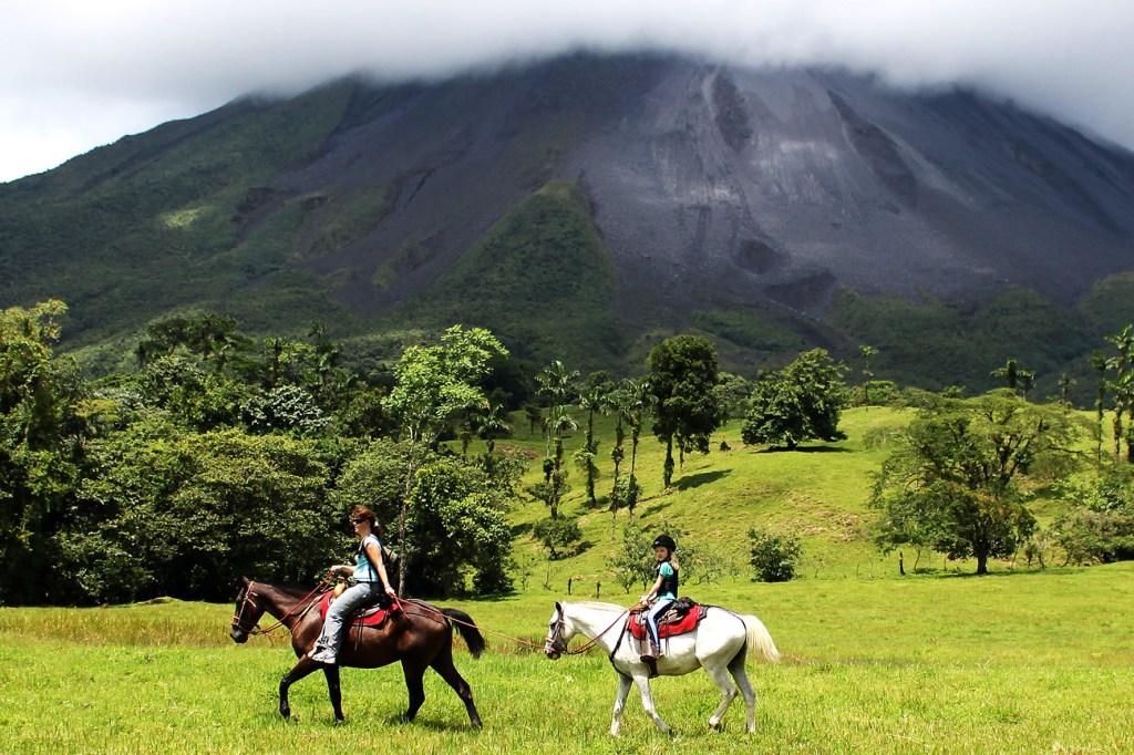 Costa Rica ist ein ideales Fernreiseziel für Eltern mit Kindern.