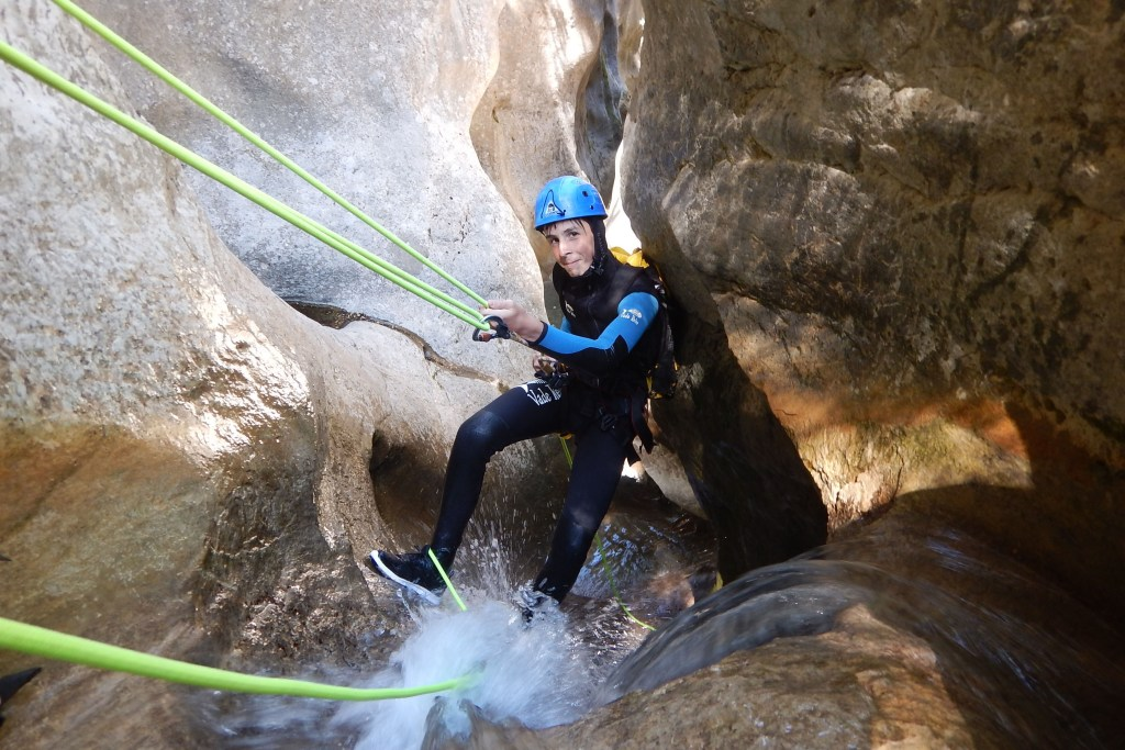 Aufregend: Canyoning in Spanien - WWF-Naturcamps