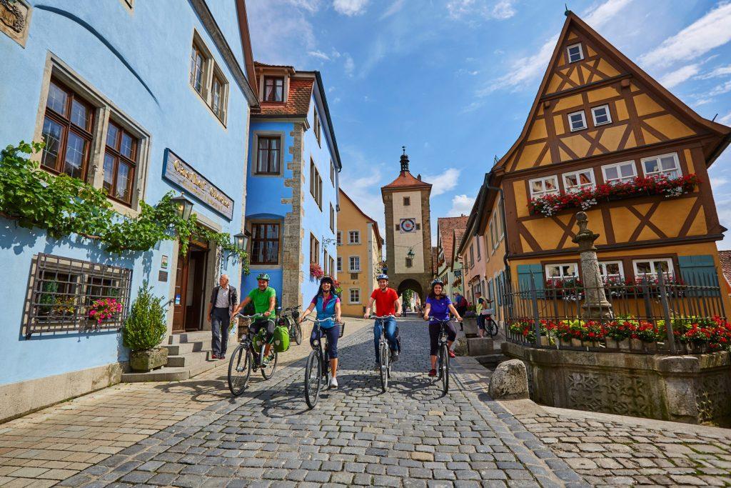 Rothenburg ob der Tauber ist nur eine von vielen sehenswerten Städten in der Ferienregion.