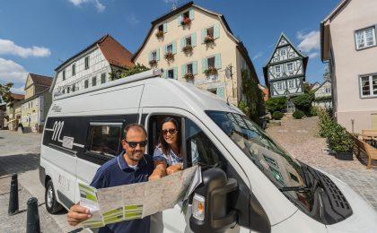 Baden-Württemberg gut informiert entdecken: Die Wohnmobilkarte enthält sechs Themenrouten mit vielen Highlights.