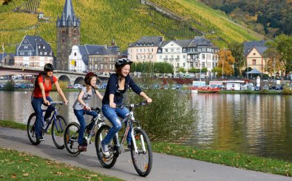Radeln am Moselufer im Ferienland Bernkastel-Kues