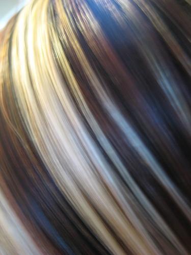 Pasemka Na Farbowanych Ciemnych Wosach