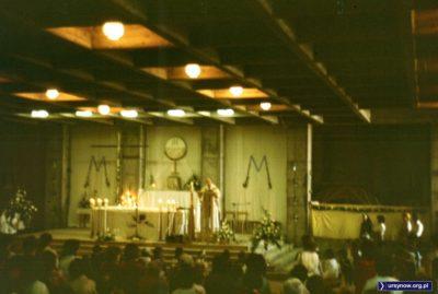 Dolny Kościół, czyli tymczasowość w podziemiach kościoła p.w. Wniebowstąpienia Pańskiego. Fot. Adam Myśliński