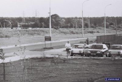 Piękny Opel Kadett z rejestracją IWA (zieloną), czyli zapewne jest to wóz jakiejś frimy polonijnej. Żabińskiego róg Przy Bażantarni. Nad. Piotr Klonowski