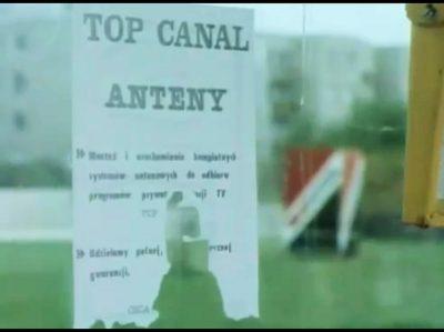 Top Canal! To była stacja! Taki Canal+, tylko za darmo i dla wszystkich. Puszczała pirackie filmy o jakości VHS, dopóki w 1994 roku nie ścignął jej prokurator. Kadr z PKF 43/92.