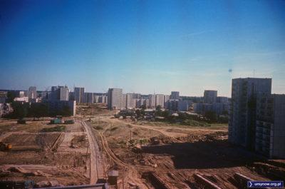 Patrzymy z Końskiego Jaru na Wiolinową (po lewej). Po prawej Puszczyka, dalej baza budowlana na Łące Olkówki. Fot. Włodzimierz Witszewski