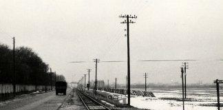 Rok 1968. Puławska w kierunku Mokotowa. Po lewej mur Wyścigów, po prawej wylot ulicy Macieja Wierzbięty. Zdjęcie ze zbiorów rodziny Pytko.