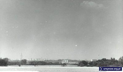 Rok 1974. Widok na centrum miasta z okolic ulicy Migdałowej. Zdjęcie ze zbiorów rodziny Pytko.