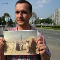To ja. Na rogu KEN i Surowieckiego. W roku 2011 i 1987 na wydrukowanym zdjęciu. Taka zabawa czasowa.