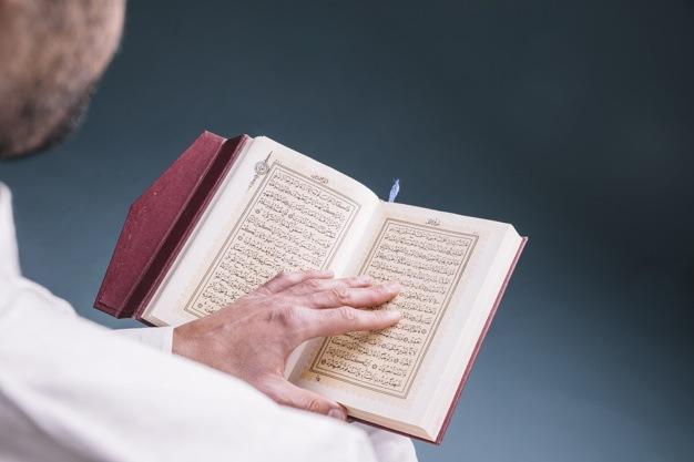 Në sa pjesë ndahet besimi?