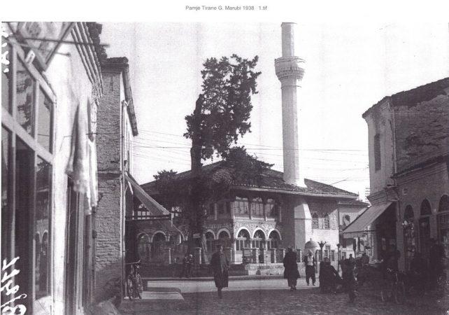 Xhamia e Vjetër, gurthemeli i hequr i kryeqytetit