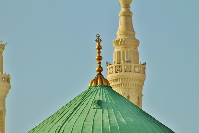 Cilat ishin përpjekjet dhe zelli i Profetit (s.a.s.) dhe i myslimanëve të parë për shpëtimin e besimit të të tjerëve?
