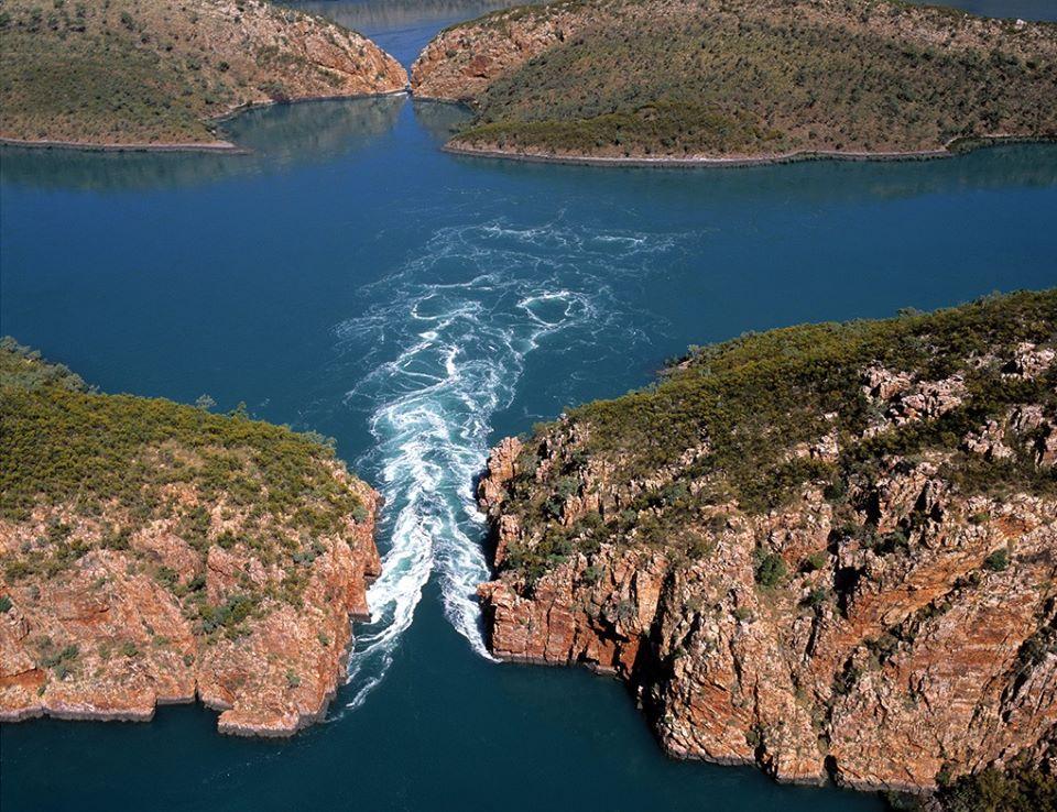 природное чудо Австралии - самые настоящие водопады