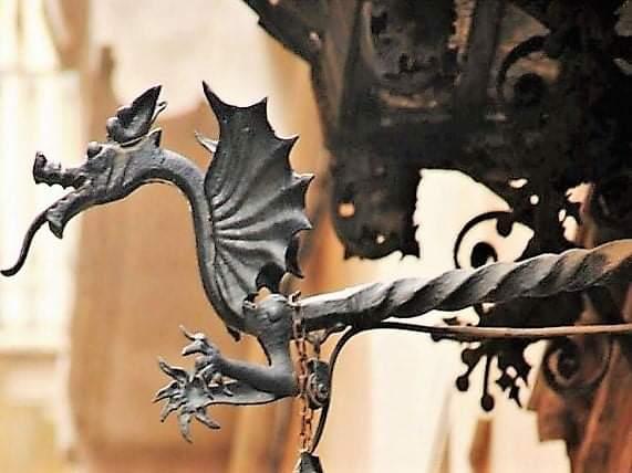 Охота за городскими драконами Барселоны. Присоединяйтесь.